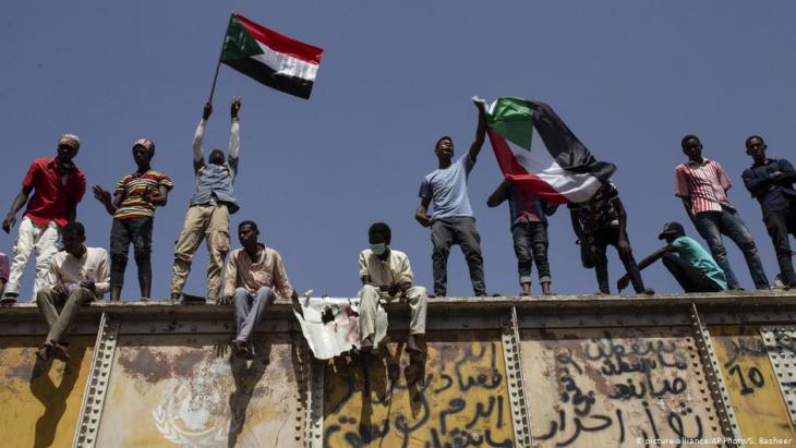 Proteste vor dem Hauptquartier der Armee in Khartum am 2. Mai 2019; Foto: picture-alliance/AP