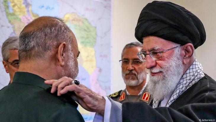 Ernennung Salamis als Befehlshaber der Revolutionsgarden durch Ayatollah Ali Khamenei; Foto: Tasnim