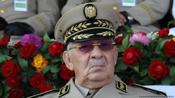 Algeriens Armeechef Ahmed Gaid Salah; Foto: picture-alliance/AP