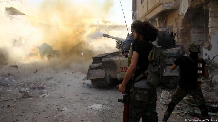 Truppen Khalifa Haftars beim Vormarsch auf Tripolis; Foto: Getty Images/AFP