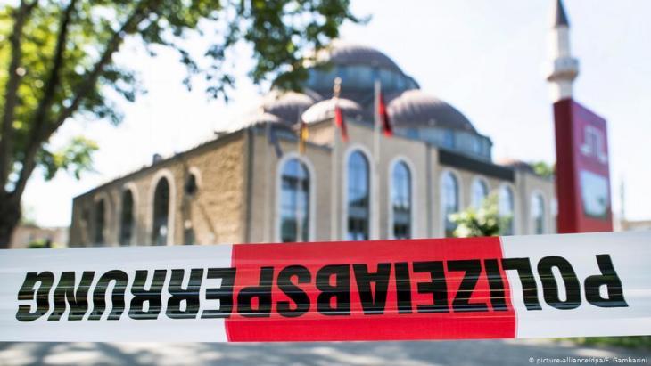 Bombendrohung gegen Ditib-Moschee in Duisburg (picture-alliance/dpa/F. Gambarini)