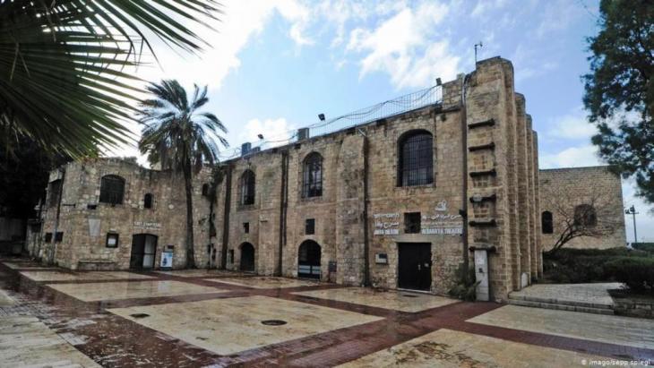 Das Jaffa Theater in Tel Aviv: Das einzige Theater, in dem es eine echte Zusammenarbeit von Juden und Arabern gibt. Foto: Imago /Sepp/Spiegel