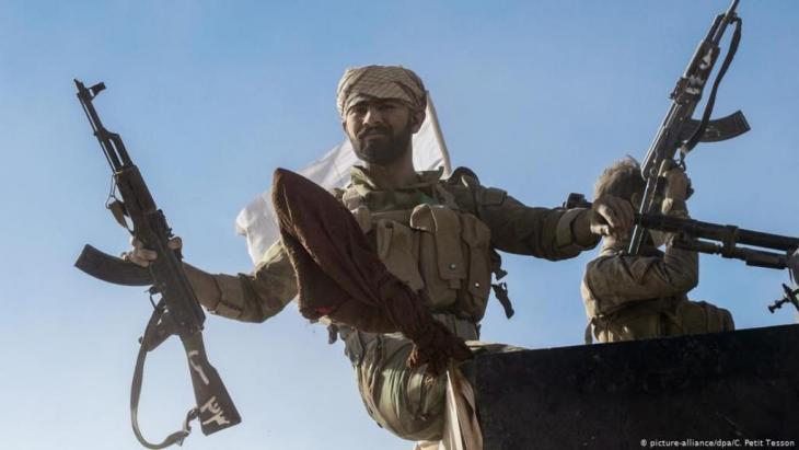Kämpfer der schiitischen Milizen Haschd Al Schaabi im Irak. Foto: Picture-Alliance/dpa/ C. Petit Tesson