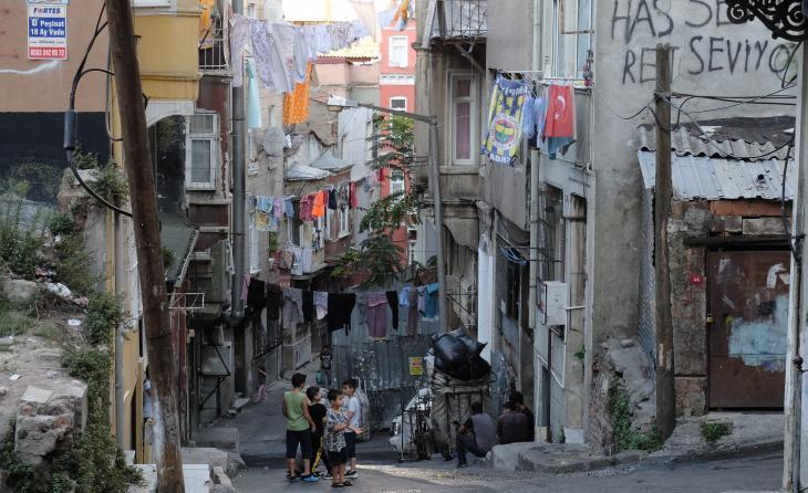 Blick auf das Istanbuler Armen- und Arbeiterviertel Dolapdere; Foto: Ulrich von Schwerin