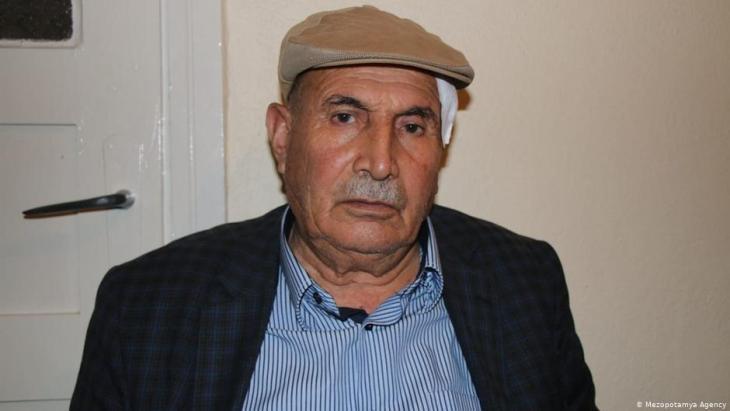 Ekrem Yaşlı nach seiner Behandlung im Krankenhaus von in Canakkale; Foto: Mezopotamya Agency