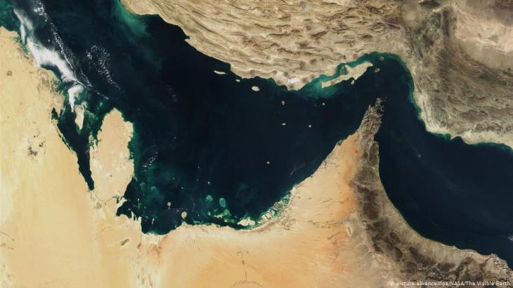 Satellitenaufnahme der Straße von Hormus im Persischen Golf; Foto: picture-alliance/dpa/Nasa