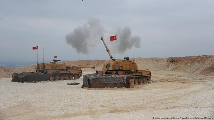Türkische Panzer; Foto: picture-alliance/Zuma Press/Turkish Defense Ministry