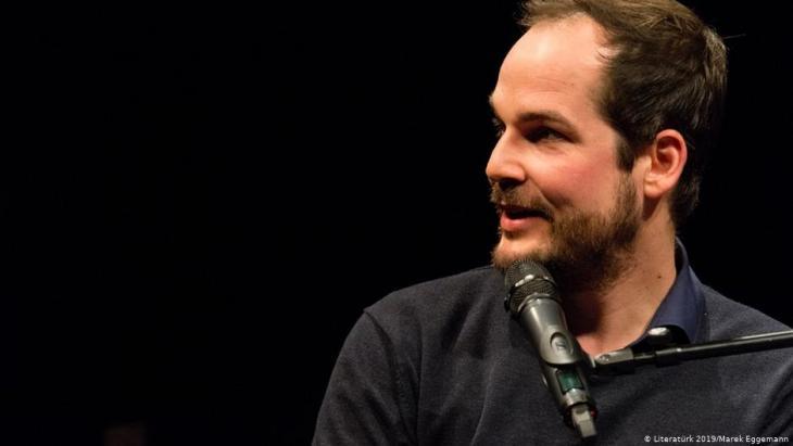 Der Schriftsteller Max Czollek; Foto: Literaturk 2019/Marek Eggemann