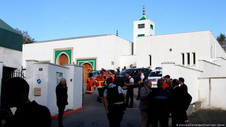 Polizeieinsatz nach dem Anschlag auf die Moschee in Bayonne am 28.10.2019; Foto: picture-alliance/dpa