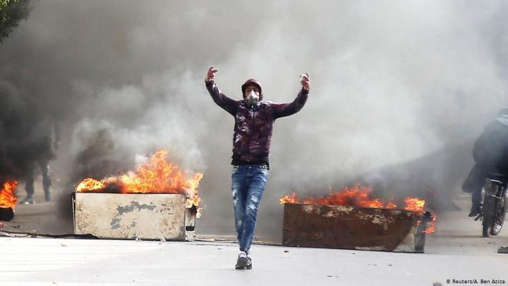Ausschreitungen nach Selbstverbrennung des Journalisten Abderrazak Zorgui in Kasserine; Foto: Reuters