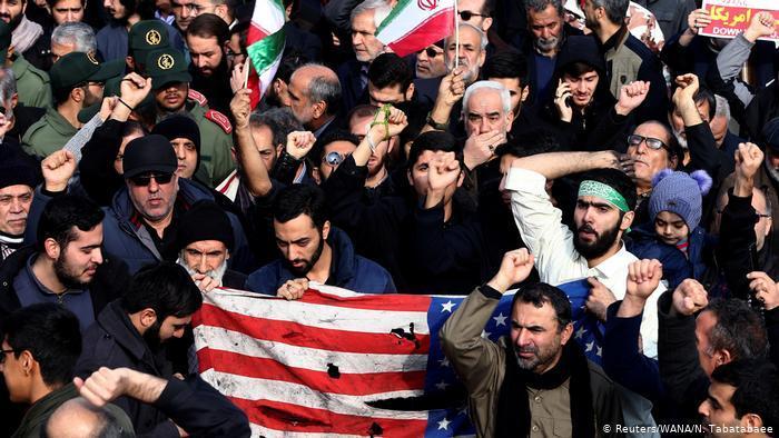 Proteste im Iran gegen die Tötung von Qassem Soleimani; Foto: Reuters/WANA/N. Tabatabaee