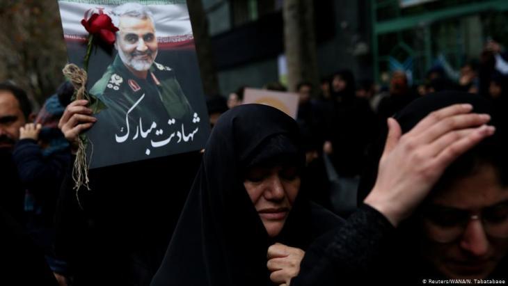 Hunderttausende bei Trauerzeremonien für getöteten General Soleimani in Teheran; Foto: Reuters/WANA/N. Tabatabaee