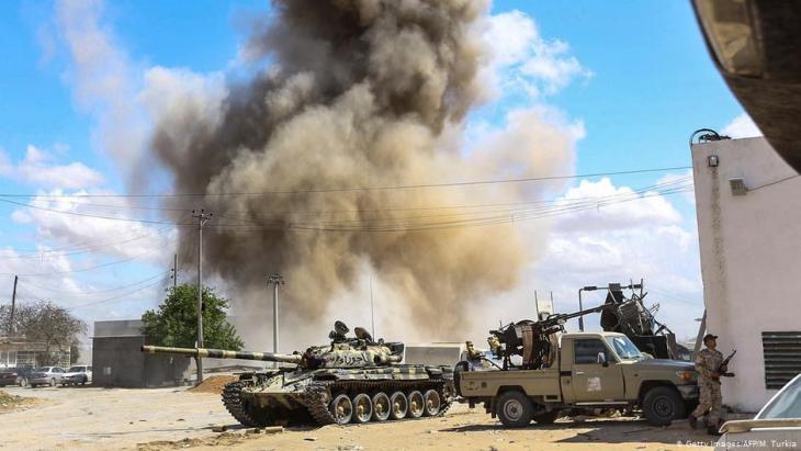 Kampfhandlungen in Libyen am 12. April 2019 südlich der Hauptstadt Tripolis; Foto: Getty Images
