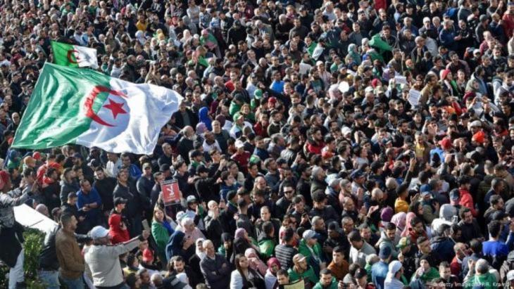 Anti-Regierungsproteste in der Hauptstadt Algier am 1. Dezember 2019; Foto: AFP/Getty Images/Ryad Kramdi