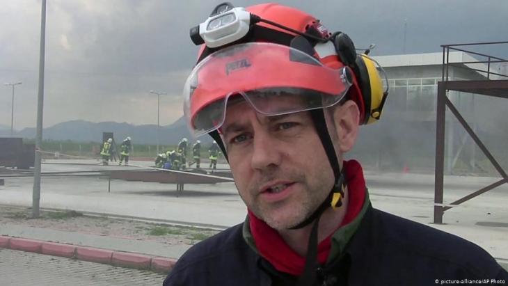 James Le Mesurier, der aus Großbritannien stammende Gründer der syrischen Rettungsorganisation Weißhelme; Foto: picture-alliance/AP Photo