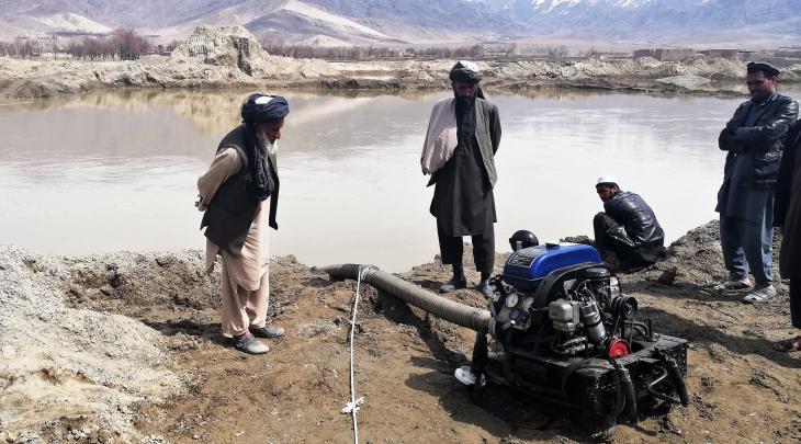 Nicht funktionierende deutsche Wasserpumpe in Mussahi; Foto: Emran Feroz