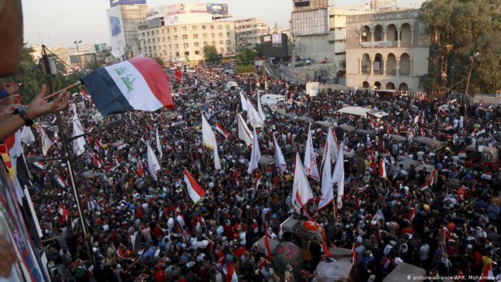 Demokratie-Aktivisten auf dem Tahrir-Platz in Bagdad; Foto: Reuters