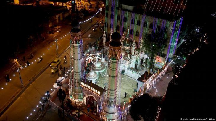 Moschee in Karatschi, Pakistan; Foto: dpa/picture-alliance/S.Akber