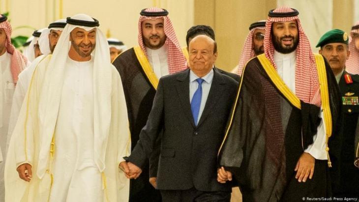 Abd-Rabbu Mansour Hadi gemeinsam mit dem saudischen Kronprinzen Mohammed bin Salman (MBS) und Mohammed bin Zayed (MBZ), dem mächtigen Kronprinz des Emirats Abu Dhabi; Foto: Reuters/Saudi Press Agency