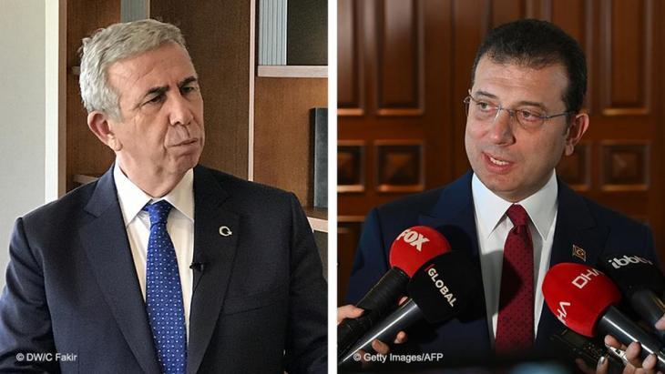 Die CHP-Politiker Mansur Yavas, Bürgermeister von Ankara, und Ekrem Imamoglu (r.), Bürgermeister von Istanbul; Foto:  DW/Cem Fakir/Getty Images/AFP/Ozan Kose
