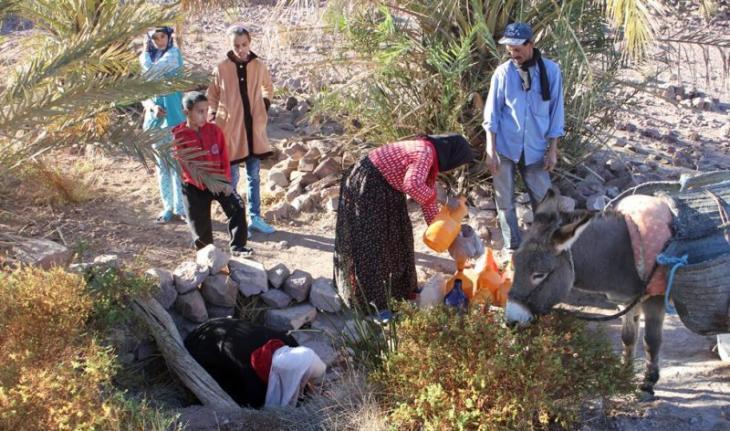 Die Bewohner der marokkanischen Stadt Zagora müssen mit dem Wassermangel fertig werden, der einen großen Teil ihres Lebens in Anspruch nimmt; Foto: Ilham Al-Talbi