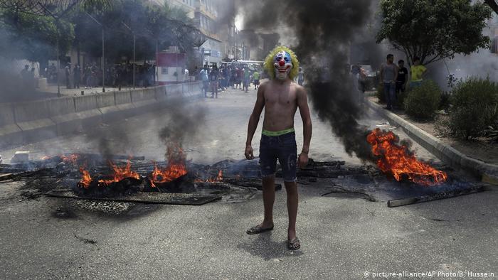 Proteste im Libanon; Foto: picture-alliance/AP Photo/B. Hussein