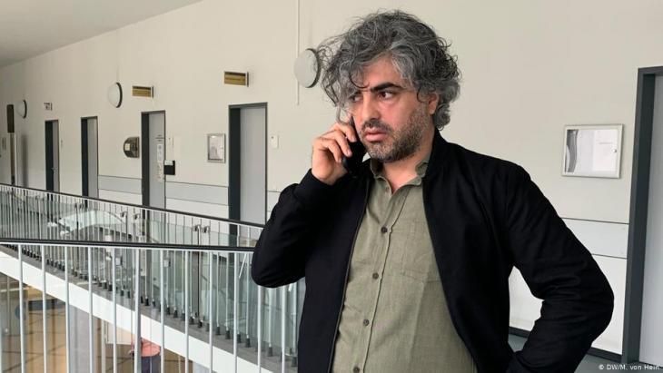 Der syrische Filmemacher Feras Fayyad; Foto: DW/M. v. Hein