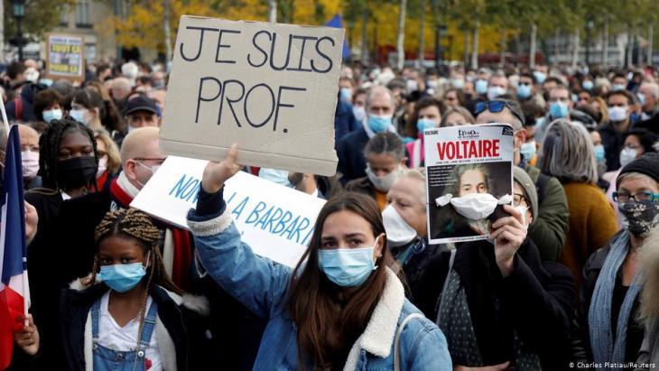 Trauer und Protest nach Mord an einem Lehrer in Conflans-Sainte-Honorine; Foto: Reuters