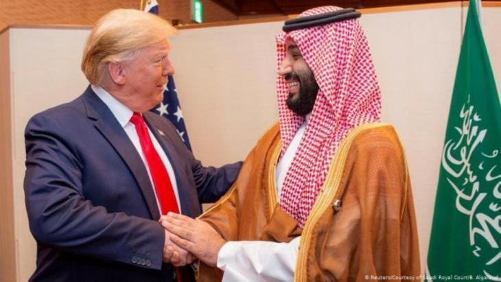 Donald Trump und Mohammed Bin Salman beim G20 Gipfel in Japan (Foto: Reuters/Courtesy of Saudi Royal Court/B. Algaloud)