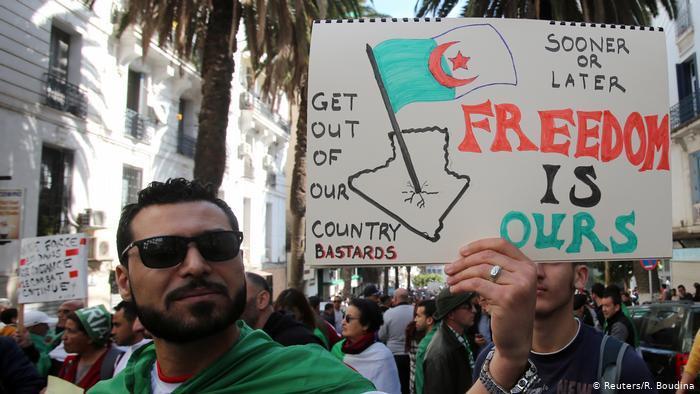 Algerien: Proteste gegen die Regierung. Foto Reuters/R.Boudna