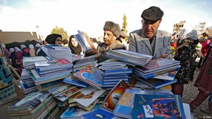 Nicht nur Zeitungen, auch Bücher unterliegen im Iran strengen Kontrollen; Foto IRNA.