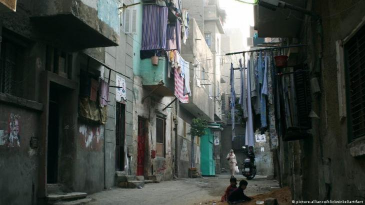 Straßenszene in einer armen Gegend von Kairo, Ägypten; Foto: picture-alliance/blickwinkel/artifant