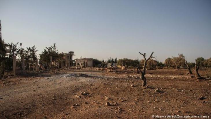 """Von Bomben und Dürre verwüstete Gegend in Binnisch: """"Klimatische Veränderungen haben die Krise verstärkt"""". Foto: Zuma/picture-alliance"""