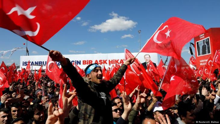 Türkei Istanbul Wahlkampfauftritt Präsident Erdogan; Foto: Reuters/U. Bektas