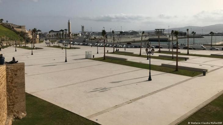 Am Fährhafen von Tanger ist alles neu, aber es steht auch alles still wegen der Corona-Pandemie; Foto: Stefanie Claudia Müller/DW