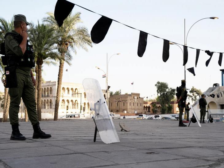 Sicherheitskräfte am Tahrir-Platz in Bagdad; Foto: Andrea Backhaus