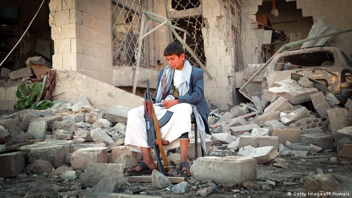 Geraubte Jugend: ein minderjähriger Huthi-Kämpfer in Jemens Hauptstadt Sanaa. (Foto: Getty Images/M.Huwais)