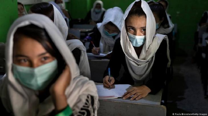 """Die """"Zarghona High School"""", Afghanistans größte Mädchenschule in Kabul - bleibt sie auch künftig offen? (Foto: Paula Bronstein/Getty Images)"""