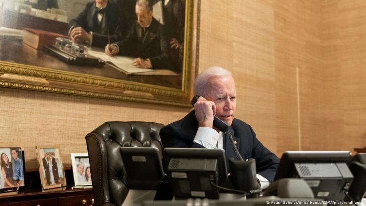 US-Präsident Joe Biden telefoniert mit Chinas Staatschef Xi Jinping. (Foto: Adam Schultz/White House/ZUMA/picture alliance)