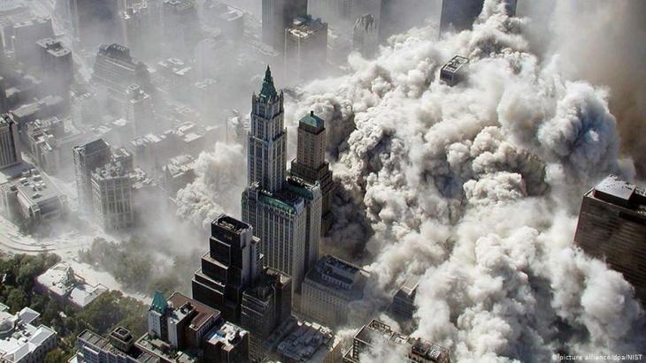 Zusammenbruch von Nord- und Südtower des World Trade Center in Manhatten am 11. September 2001; Foto: picture-alliance/dpa/NIST