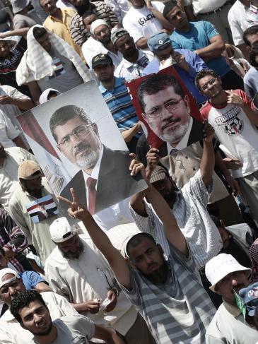 Nach dem Militärputsch: Anhänger des gestürzten Muslimbruders und Präsidenten Mursi. Foto: picture-alliance/dpa