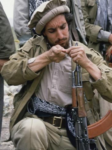 Ahmad Schah Massoud als Mudschaheddin-Kämpfer im Norden Afghanistans im Jahr 1986, Foto: AP
