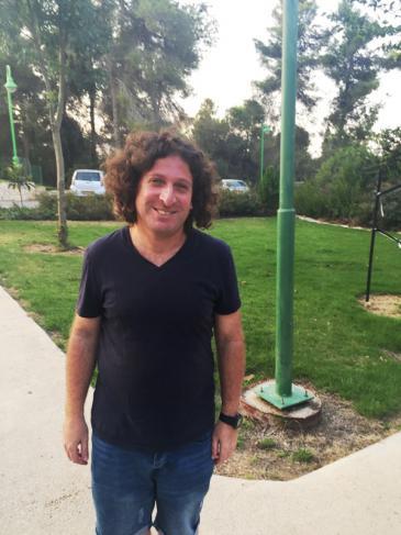 """Der israelische Siedler Elias Cohen, aktiver Unterstützer der Initiative """"Zwei Staaten, Eine Heimat""""; Foto: Inge Günther"""