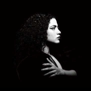 "Coverfoto des Albums ""Ensen"" von Emel Mathlouthi; Quelle: Partisan Records"