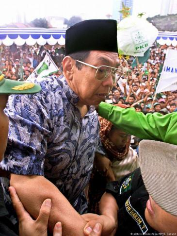 Indonesiens früherer Präsident Abdurrahman Wahid; Foto: picture-alliance/dpa/AFP