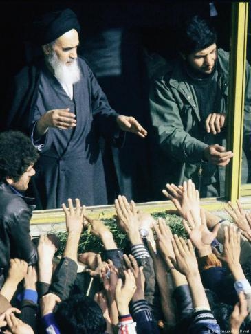 Ayatollah Khomeini nach seiner Ankunft am 2. Februar 1979 in Teheran; Foto: Getty Images