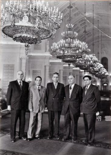 Die Anführer der Tudeh-Partei (v. li.) Reza Rusta, Fereydoun Keshavarz, Reza Radmanesh, Iraj Eskandari und Abdolsamd Kambakhsh zu Besuch in Ost-Berlin; Foto: Iranjournal