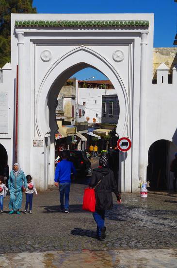 Das Tor zur alten Medina in Tanger; Foto: Claudia Mende