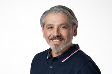 Musa Bagrac ist promovierter Religionspädagoge und Lehrer für Sozialwissenschaften, Pädagogik, Islamischen Religionsunterricht und Praktische Philosophie in Nordrhein-Westfalen.