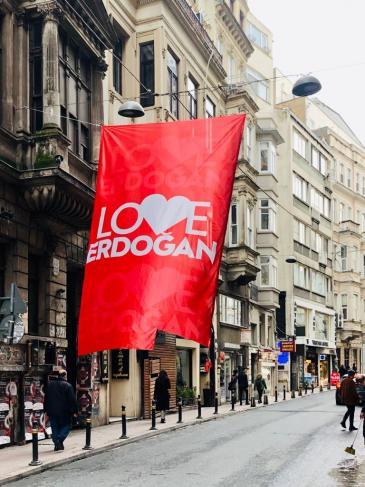 """""""Love-Erdogan""""-Plakat in Istanbul; Foto: Marion Sendker"""